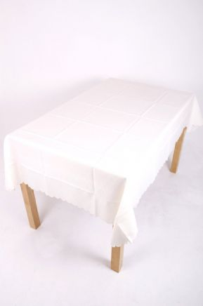 PURE WHITE AND RICH CREAM PLAIN ROUND TABLECLOTH £7.99 EACH FREE POSTAGE